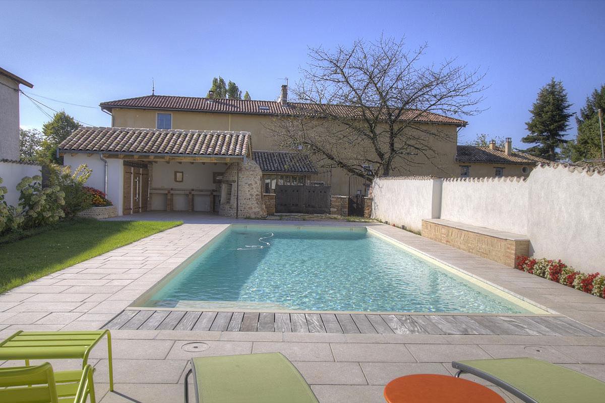Belle piscine du Gîte